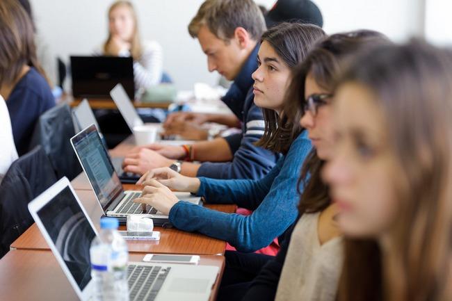 Prêt étudiant - Crédit étudiant - Crédit pour études - Credit-Internet.com - Prêt études - Credit Internet